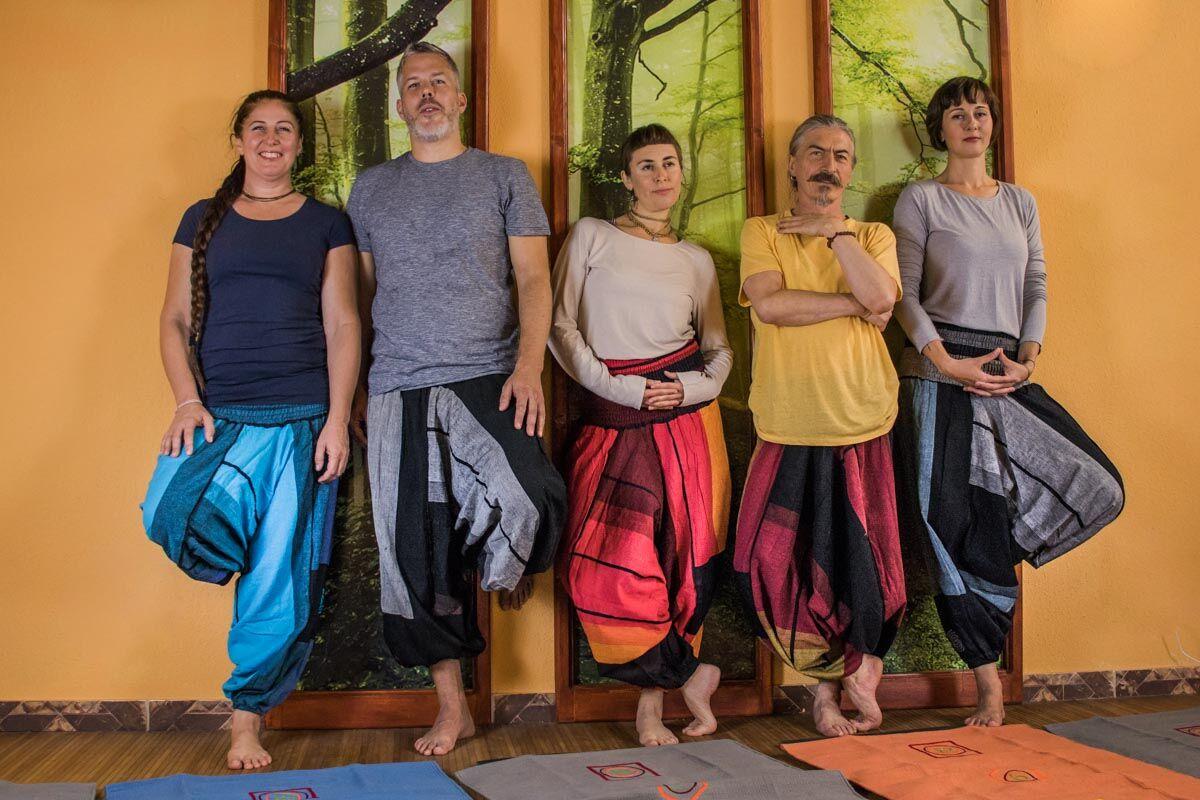 Jóga nadrág, indiai nadrág női-férfi, aladdin nadrág, indiai háremnadrág minden méretű embernek tökéletesen ajánlott.